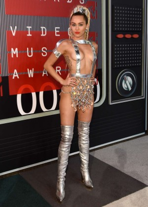 Miley Cyrus: 2015 MTV Video Music Awards in Los Angeles [adds]-64